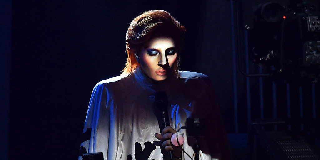 Lady Gaga at the 2016 Grammys besmirching David Bowie's legacy